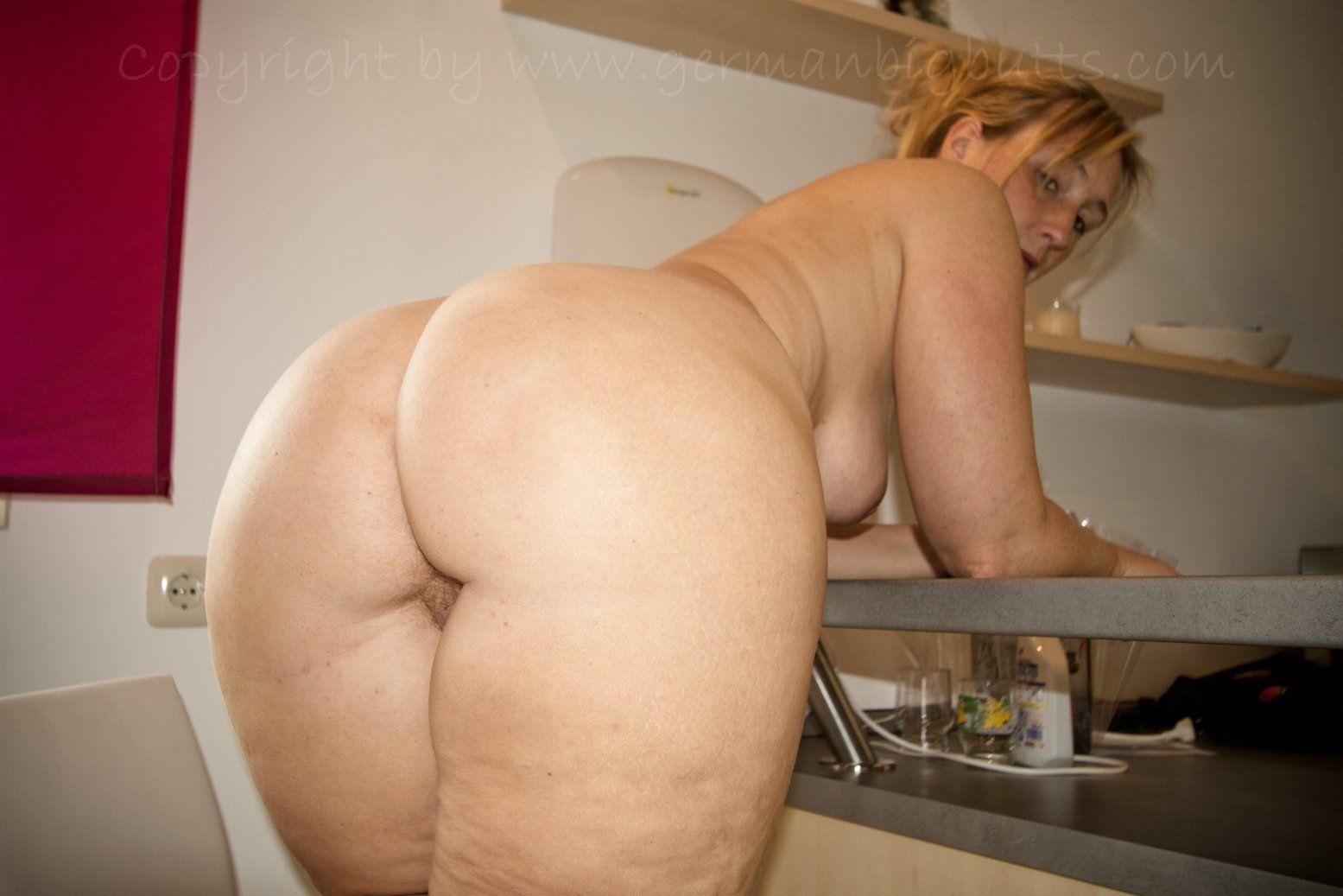 Big butt pussy sarah Sarah Big